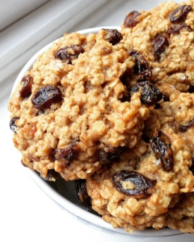 Vegan_Oatmeal-Raisin_Cookies_Low-Sugar